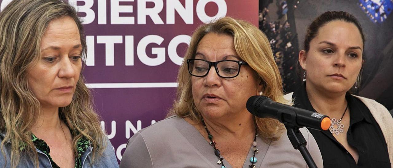 De izquierda a derecha Victoria Rosell, Meri Pita y Noemí Santana, tras las elecciones generales de noviembre de 2019.
