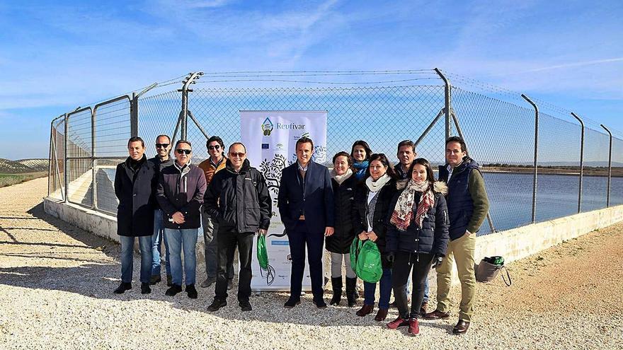 Un proyecto usa aguas depuradas para el riego de olivares y vides en Montilla
