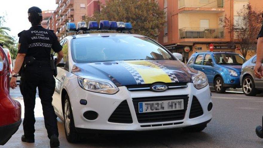 Salvan en València a un joven tras sufrir la picadura de una avispa