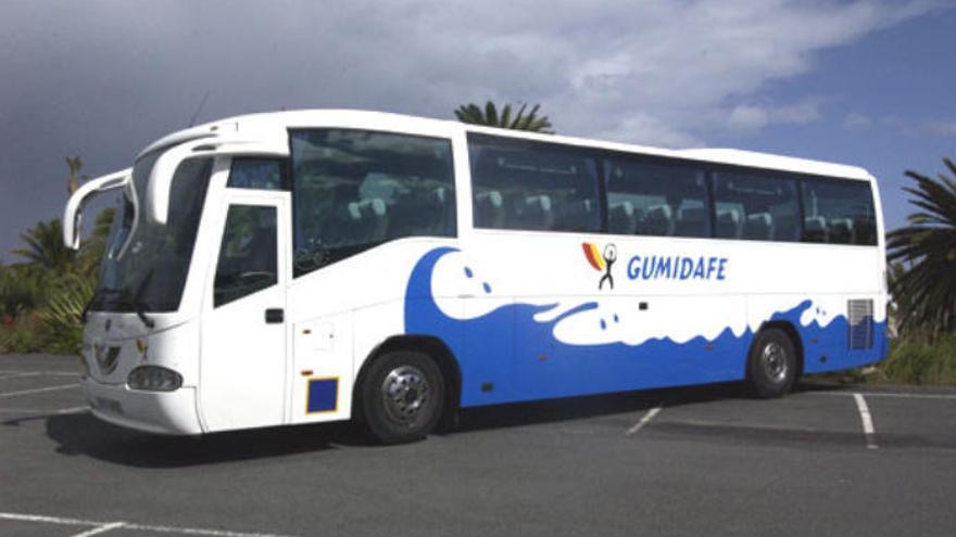 La multinacional Alsa compra la compañía isleña de guaguas Gumidafe