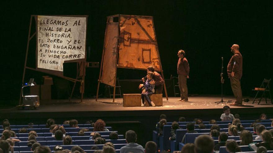 Cerca de 3.000 escolares disfrutan de 'Pinocchio' en el Cuyás
