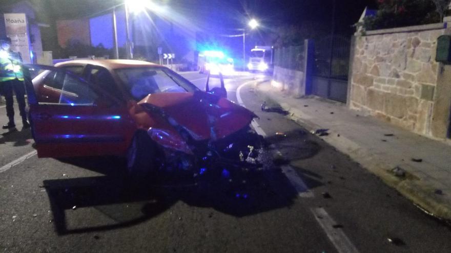 Heridas tres jóvenes al salirse de la vía su coche en la PO-551