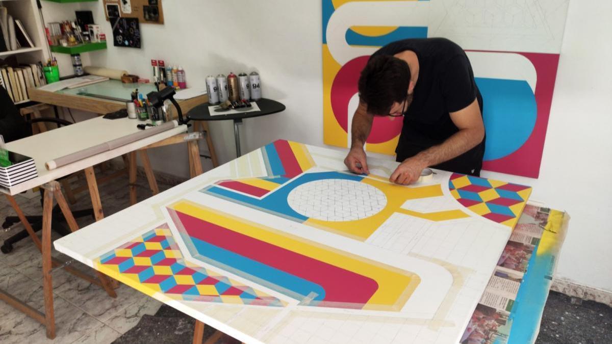 El cordobés Rafael Blanco une su pintura a la escultura de Carlos Faura en Madrid