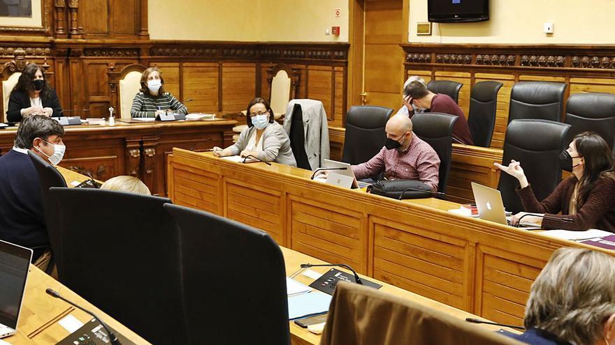 La abstención de Asenjo facilita un dictamen a favor de los tributos del gobierno local