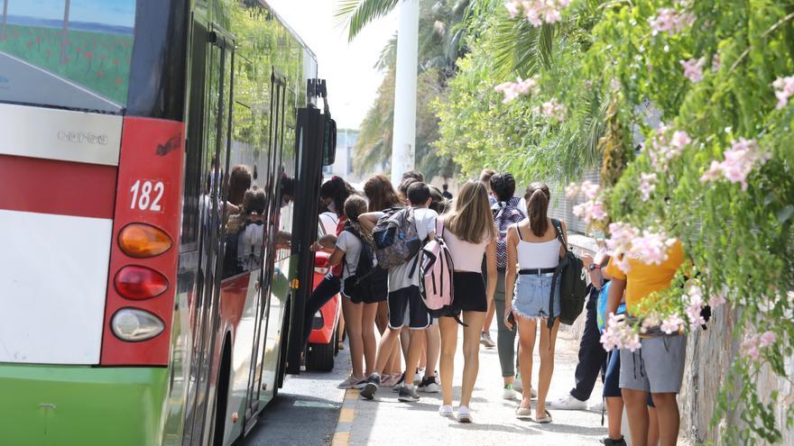 Estudiantes de Elche avisan de un otoño caliente por falta de medidas