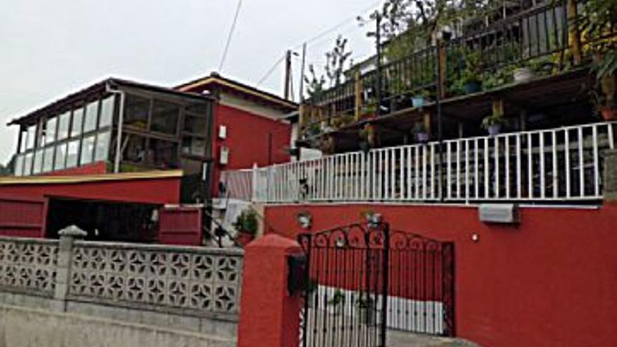 79.900 € Venta de casa en La Felguera (Langreo) 82 m2, 3 habitaciones, 2 baños, 974 €/m2...