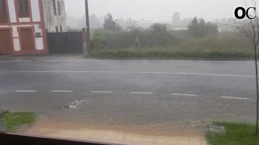 Las fuertes lluvias vuelven a causar inundaciones en Oleiros