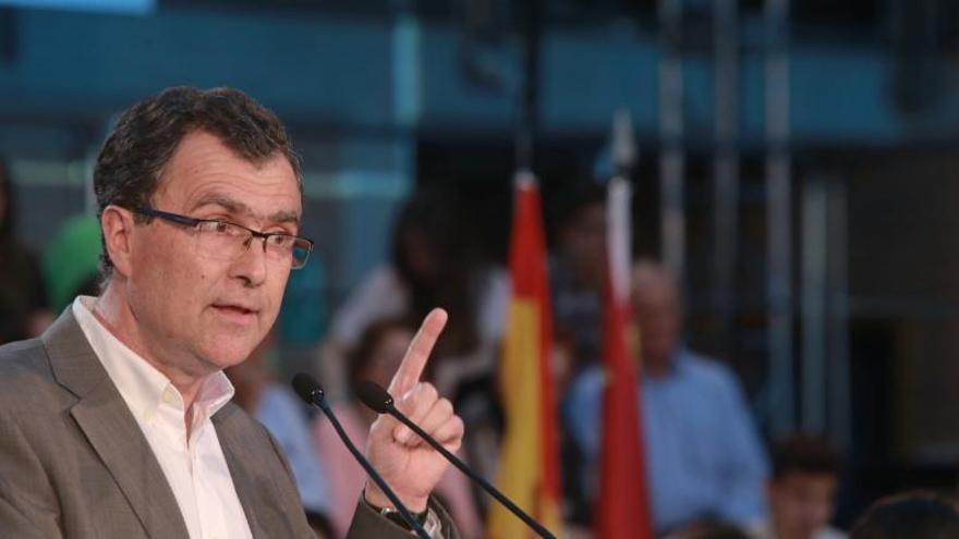 El PSOE denuncia la presunta financiación ilegal de la campaña de Ballesta