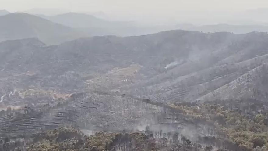 Desoladoras imágenes aéreas de la zona afectada en el incendio forestal de Azuébar