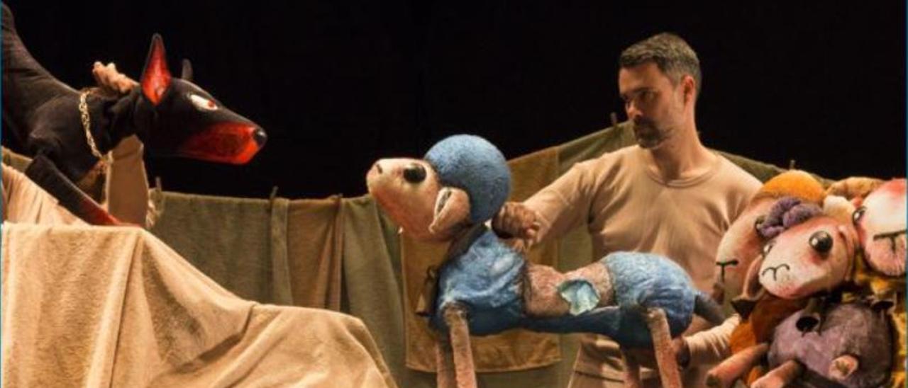 Una escena de «Fuenteovejuna», representada por la compañía madrileña Sol y Tierra.  | LEVANTE-EMV