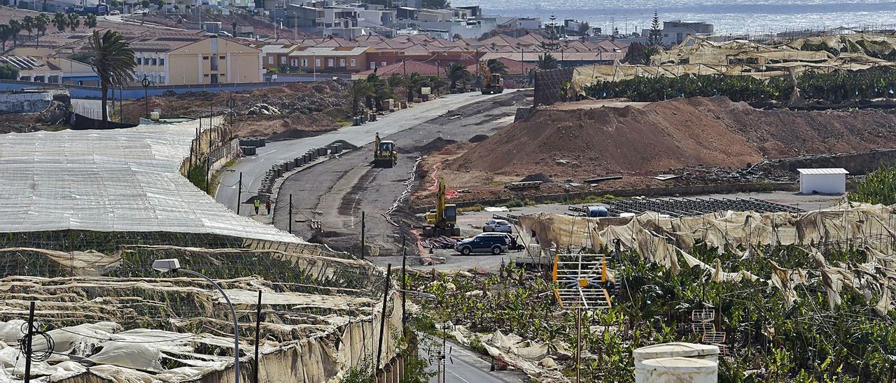 Obras para ensanchar la carretera a Melenara que se ejecutan en la actualidad. | | ANDRÉS CRUZ
