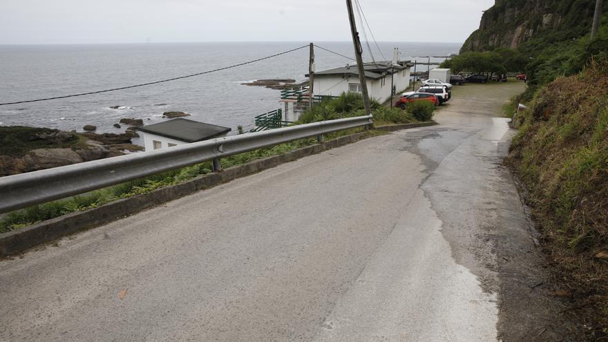 El acceso a la playa de Estaño tendrá un arcén peatonal y ganará anchura