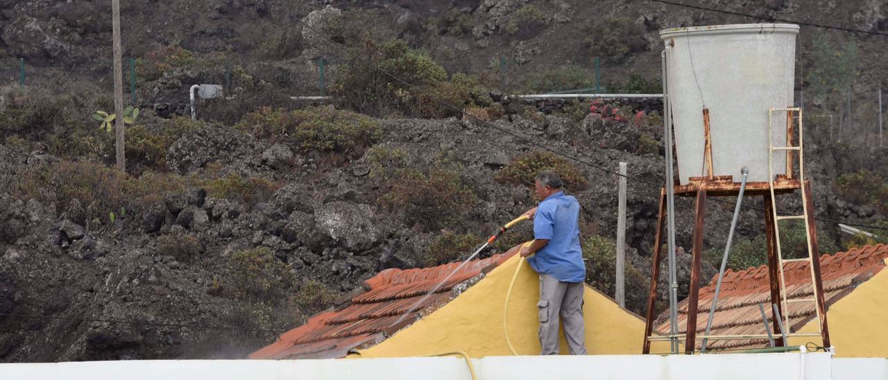 El Parlamento de Canarias dona 200.000 euros para ayudar a los afectados por el volcán de La Palma
