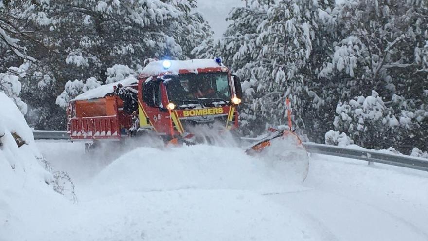 Un total de 716 carreteras españolas siguen afectadas y 165 cortadas por Filomena