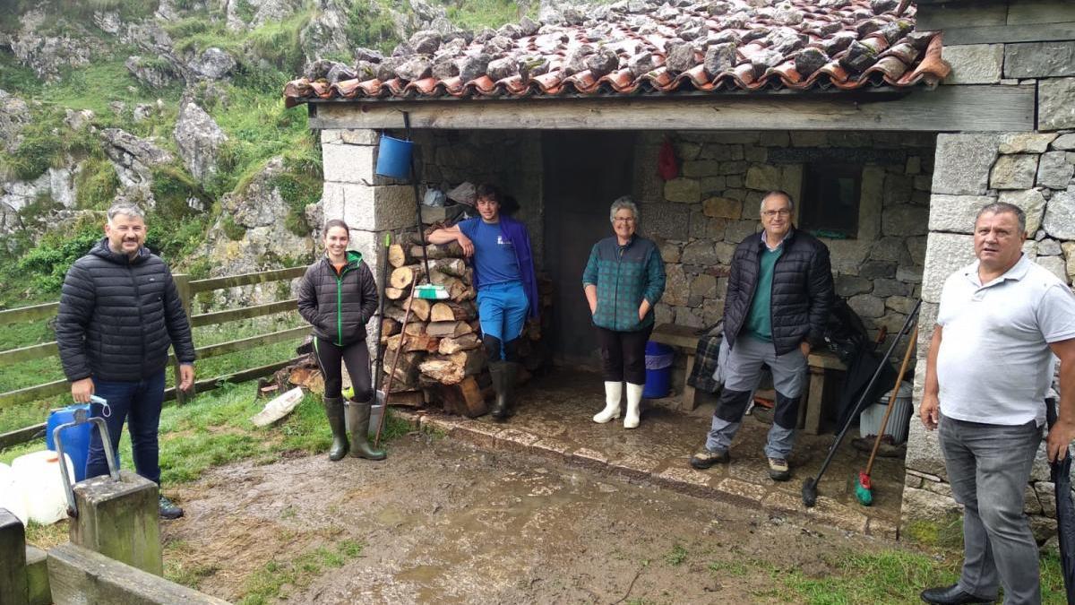 Ciudadanos da su apoyo a los pastores de los Picos frente al lobo