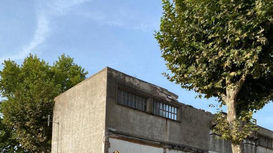 El sostre d'un transformador elèctric s'esfondra a Sarrià de Ter