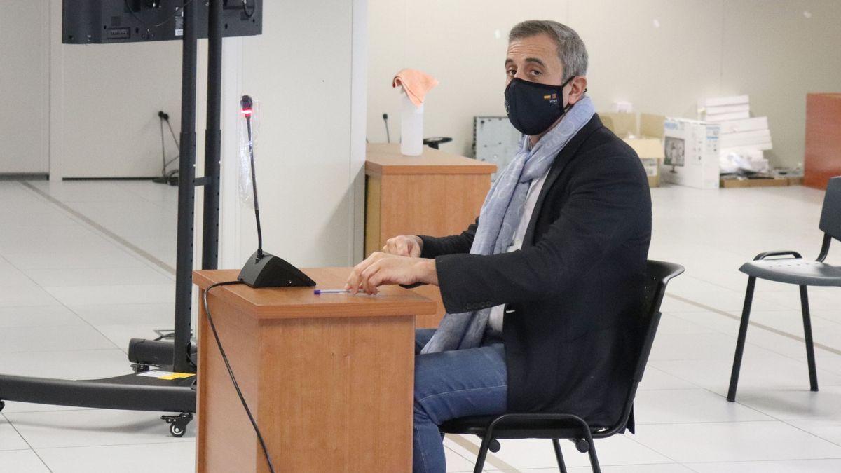 Luis Senís, durante el juicio en el que resultó absuelto por una supuesta negligencia profesional.