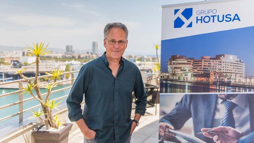 Eduardo Jordá, premiado por su libro de viajes 'Pájaros que se quedan'