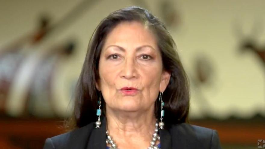 Biden elige a una congresista nativa americana secretaria de Interior
