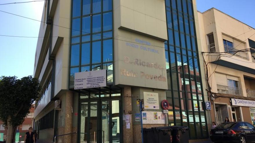 Redován reclama a la Generalitat mejorar los recursos del centro de salud