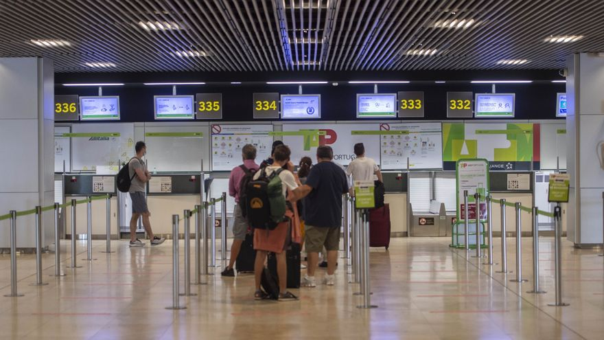Los aeropuertos españoles recuperarán el tráfico previo a la pandemia a final 2025