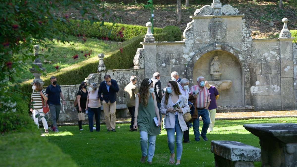 Los jardines del pazo de Meirás abren al público con las primeras visitas guiadas