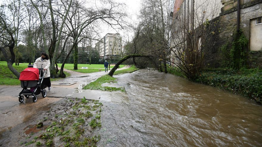 Las fuertes lluvias causan desbordamientos de ríos en la comarca