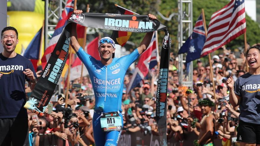 Lange repite el título mundial de Ironman con récord