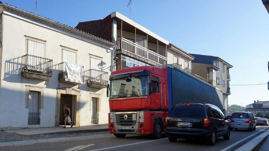 Travesía de la N-122, en Alcañices