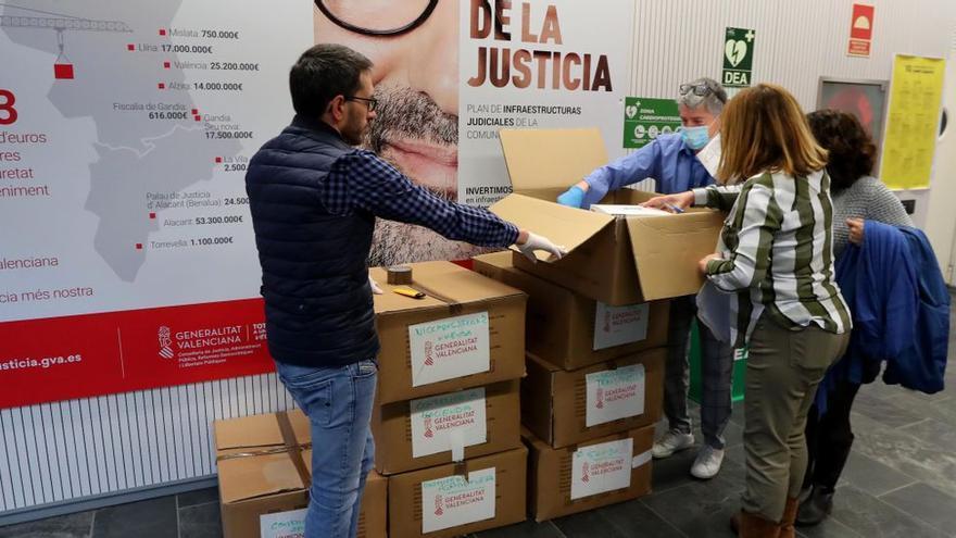 La Generalitat decreta la vuelta al puesto de trabajo de todo el personal funcionario