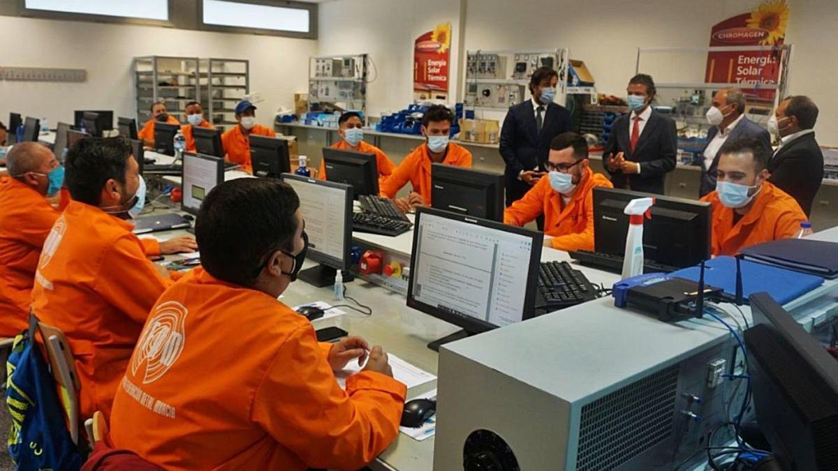 Cerca de 6.000 desempleados han obtenido este año un certificado de profesionalidad con el SEF