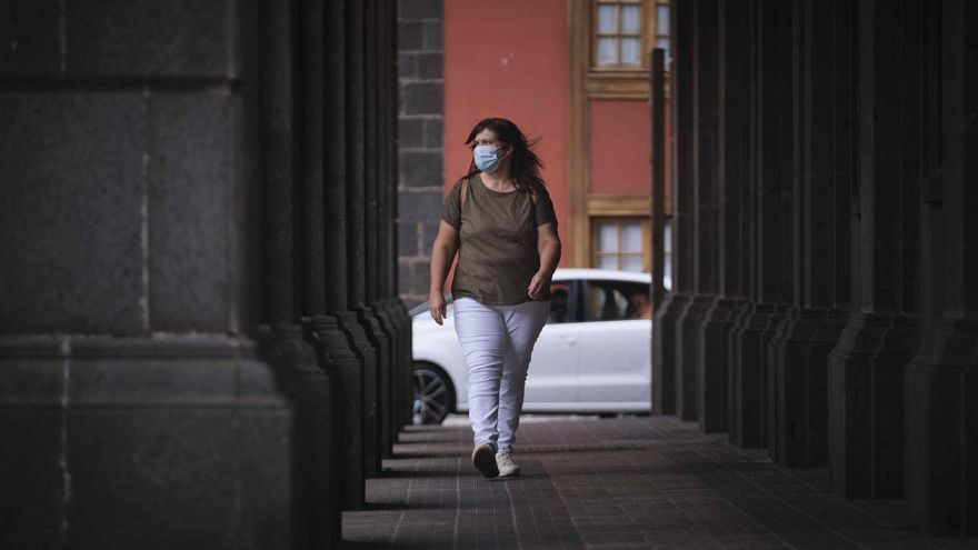 Canarias inicia la semana con 93 casos Covid