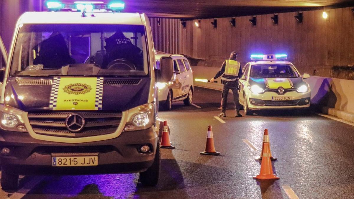 Control policial en la ciudad de Alicante, anoche