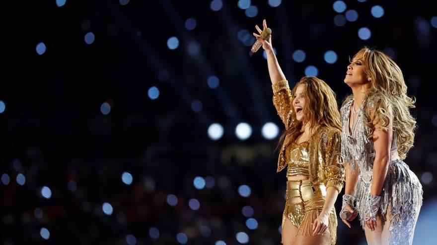 Jennifer López y Shakira deslumbran en la Super Bowl