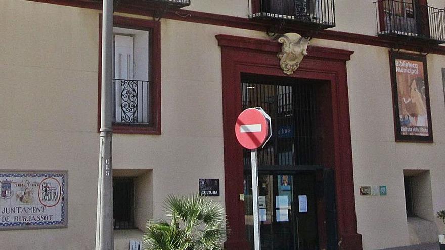 Denuncian el «desmantelamiento» del taller de la Casa de Cultura de Burjassot