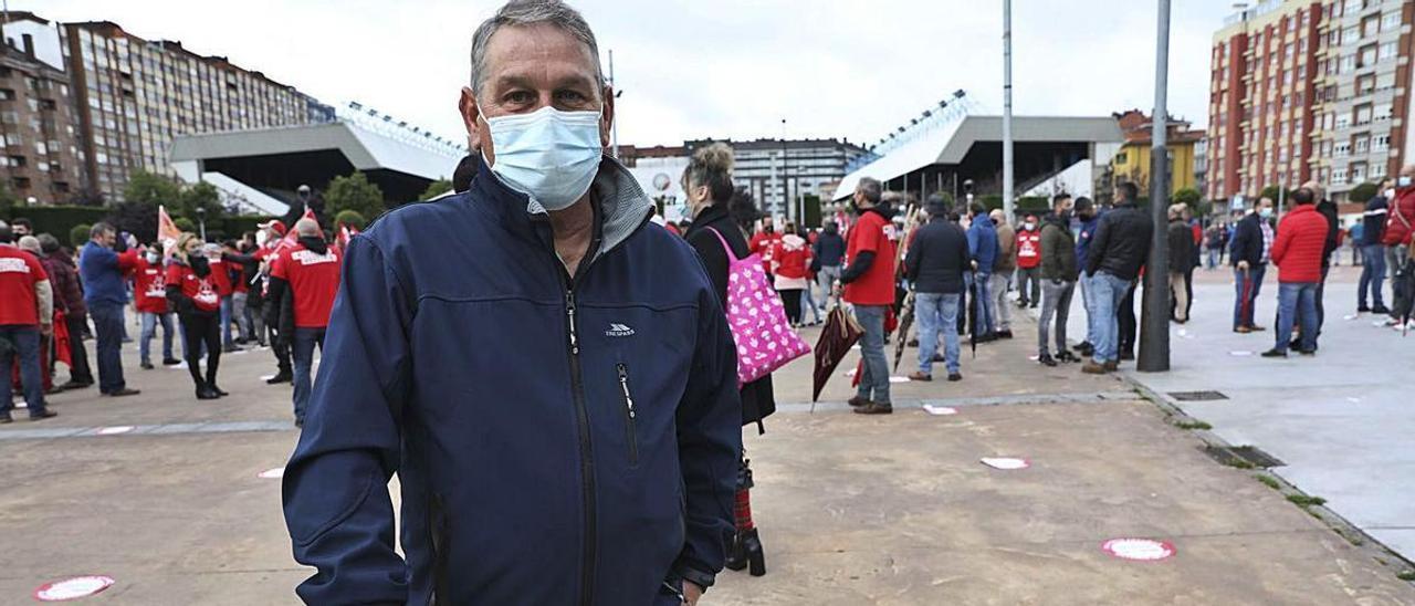 José María Ramos Rodríguez, ayer, en la concentración. | Ricardo Solís