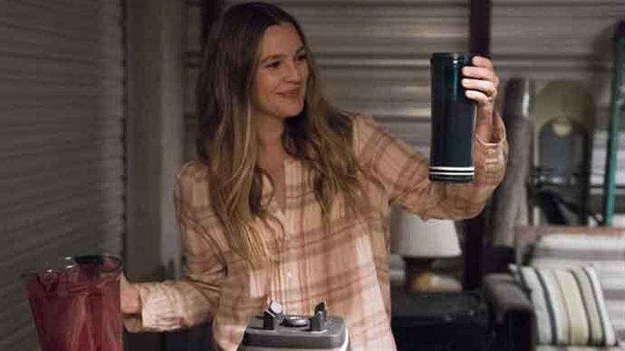 Drew Barrymore también se va a la tele con 'Santa Clarita Diet'