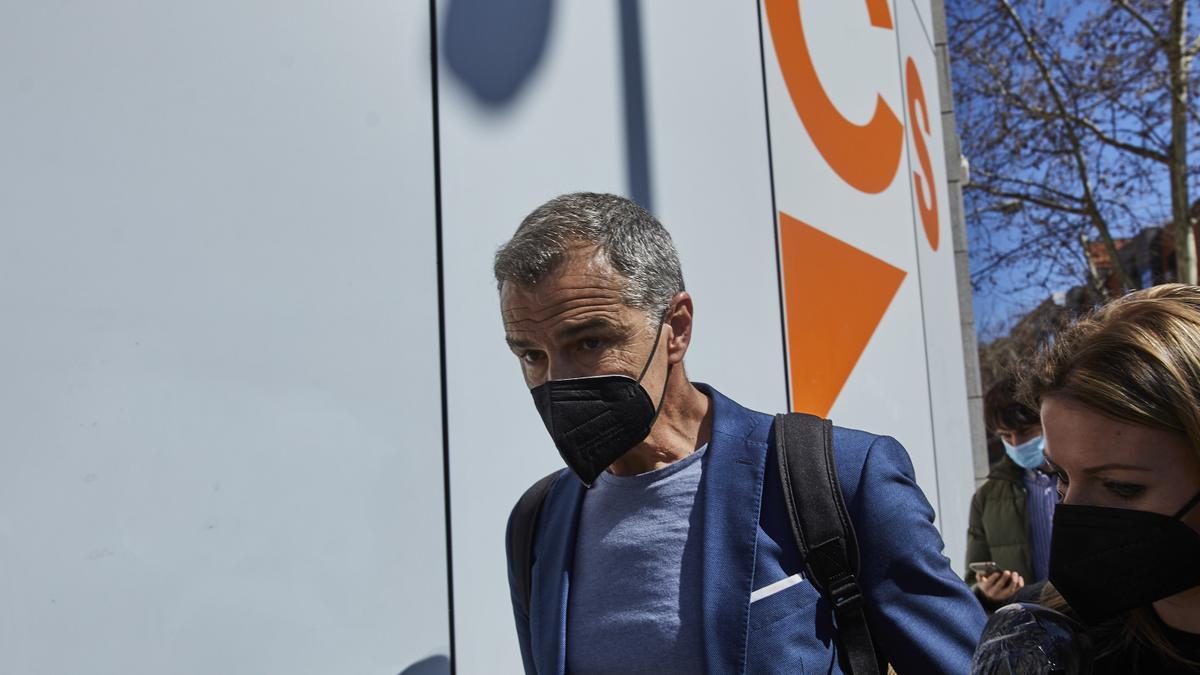 Toni Cantó abandona la sede de Ciudadanos