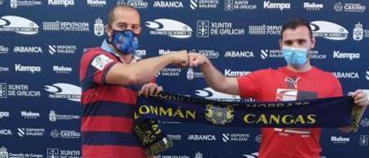 Óscar Fernández junto a Rubén Soliño en O Gatañal. |  // FDV