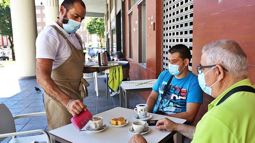 La pandemia agrava la dificultad para encontrar personal cualificado para hostelería este verano