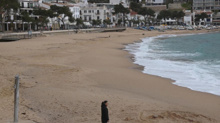 El confinament comarcal buida la Costa Brava de visitants i colpeja l'hostaleria