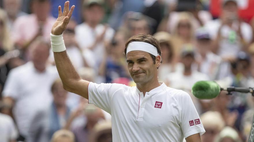Federer vence a Lacko e iguala el récord de Connors
