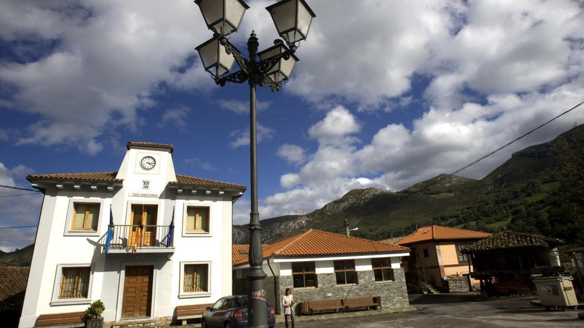 El Ayuntamiento de Yernes y Tameza, en una imagen de archivo.