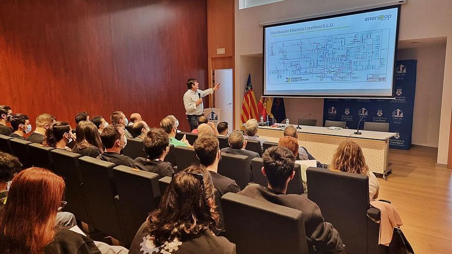 La Cooperativa Eléctrica explica la transición energética a alumnos de FP