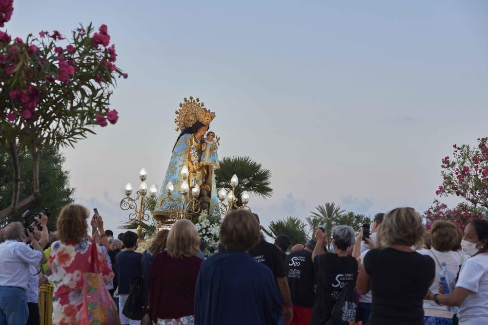 Virgen de los Desamparados y contra las fiebres en la playa de Canet.