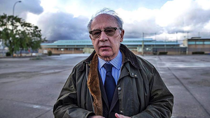 El jutge fa seure Rato al banc dels acusats i li imposa una fiança de 65 milions d'euros
