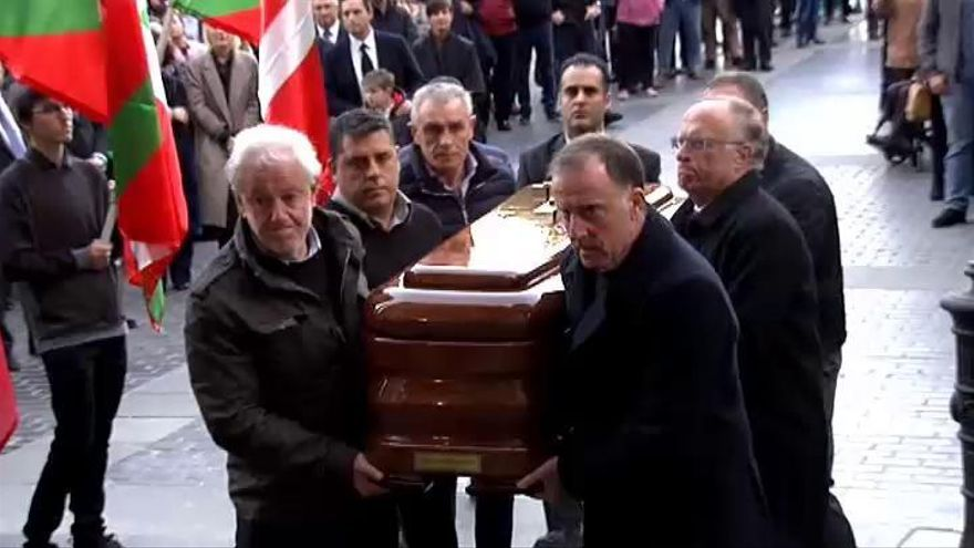 Despedida multitudinaria a Xabier Arzalluz en Azkoitia
