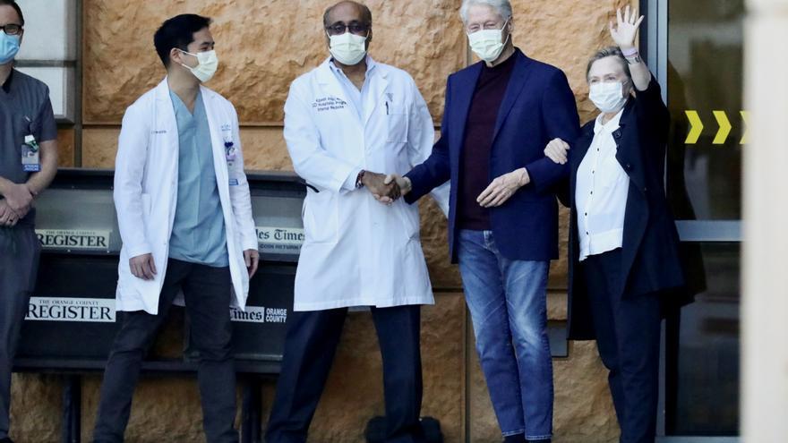 Clinton sale del hospital tras sufrir una infección en la sangre