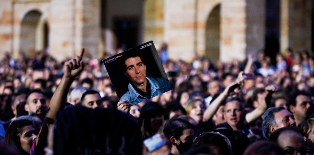 Joaquín Sabina cautiva a más de 6.000 almas en Gijón.