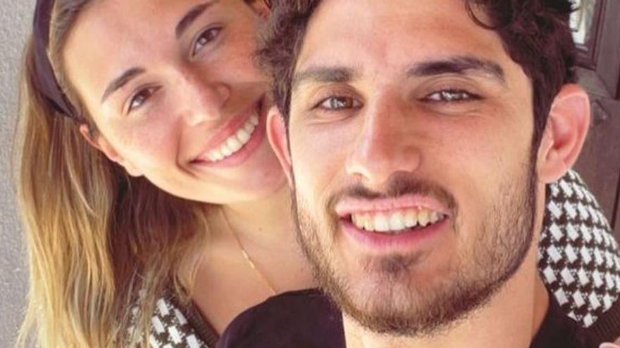 Gonçalo Guedes y su novia, en Ibiza, pese al cierre perimetral